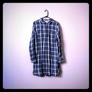 Blackish, grayish, white, plaid tunic shirt dress